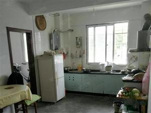 东宝万里汽车站白云楼旁.3室.134平方.家电齐全.低价出租