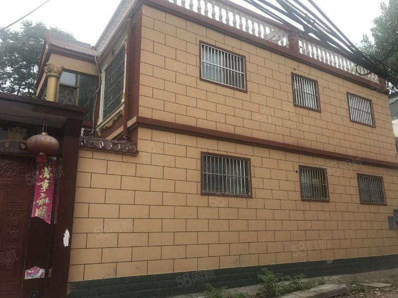 五一路小学附近自建别墅2层半260平方米精装有证院内可停车