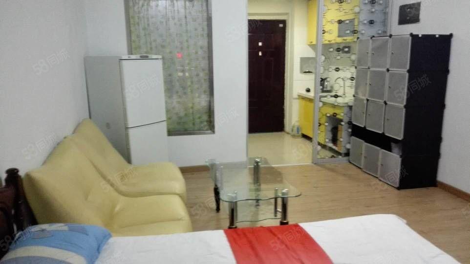 市中心尚城国际精装1室1厅40平季度付款拎包入住