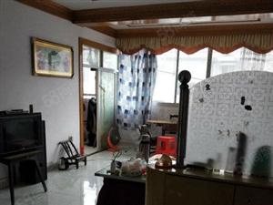 新村蚊香厂宿舍82.4平米,2房2厅中等装修,还带杂屋间