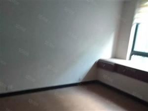 相山万马4室2厅140平米精装修押一付三一楼复式