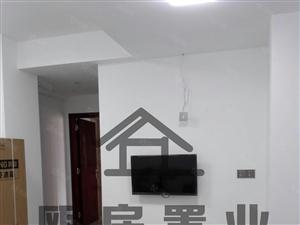 整租泛华精装2房有电梯