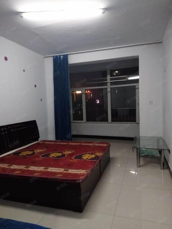 出租君华苑70平米2居电梯房简单装修即租即住
