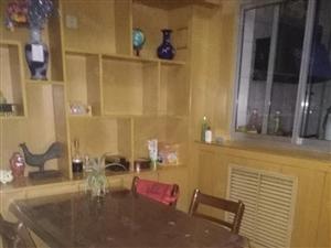 出租和平广场附近精装修现房,家具电器齐全,拎包入住
