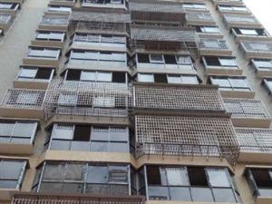 祁东青秀小区电梯3房2厅146平米含30平米车库