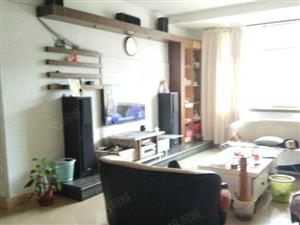 泸县万福旁中装3室2厅137平米,楼层居中,采光佳