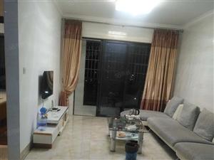 万达华城小区精装三房二厅家电齐全高楼层视野无遮挡仅租2200