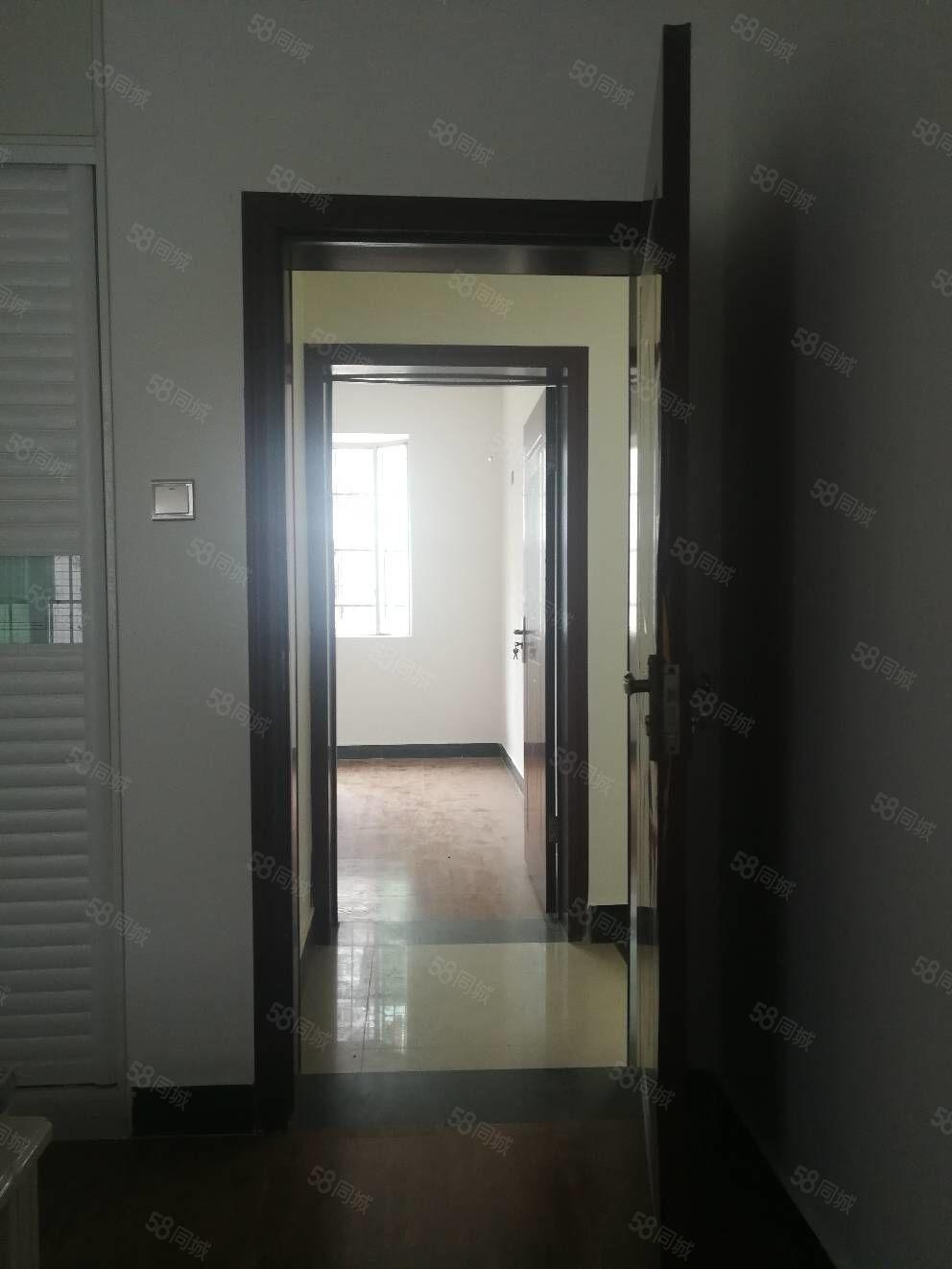川中大市场,品质小三房,100平米,66.8万
