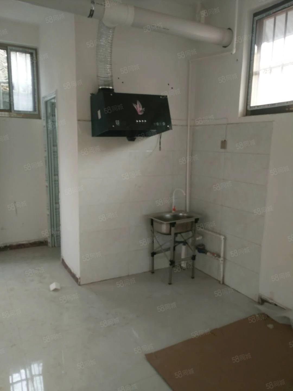 张义庄,两室厨房洗澡间齐全