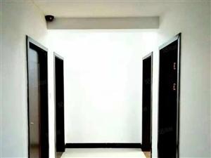 梅溪馨苑三室两厅一卫地段繁华,干净卫生,拎包入住