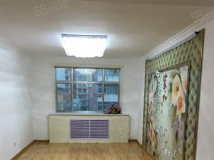 212大院,二居室,户型标准,南北透透,可按揭。