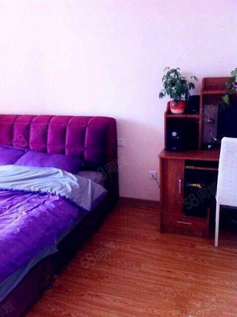富尔沃财富街2100元2室2厅1卫精装修,献给懂得享受