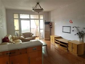 林桂花街出行便利,两室两厅家电家具齐全拎包入住,有钥匙
