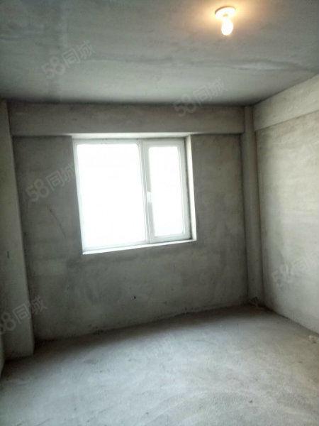 水岸帝景120平毛坯60万3室1厅