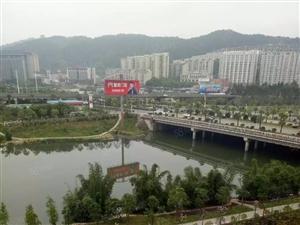 海滨壹号,兰溪公园旁边,拎包入住2800/月