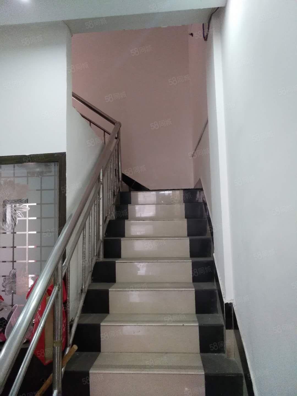 世纪广场房管局楼下门面房两层必发365在线娱乐官网