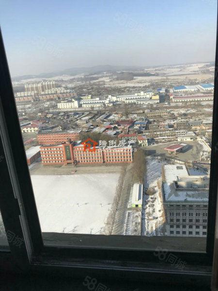 93平毛坯房,24万,电梯31层顶楼视野好