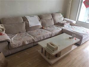 幸福花城四期精装修带配房家具齐全房子干净卫生拎包入住
