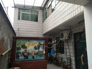 东兴小学附近房独院