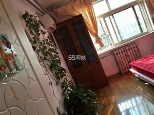 吉祥小区5楼三室一厅精装修家具家电齐全供暖,有钥匙看房方便