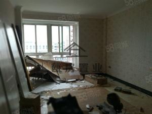今典小区精装通透三房二厅二卫全新装修售63万
