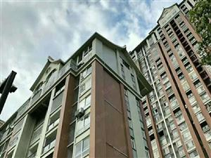 首付仅需10多万就能买精装三房电梯高层直接拎包入住