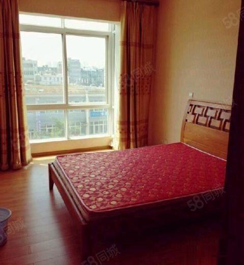 富然三区3室2厅2卫1阳台1800元/月,干净整洁,随时入住