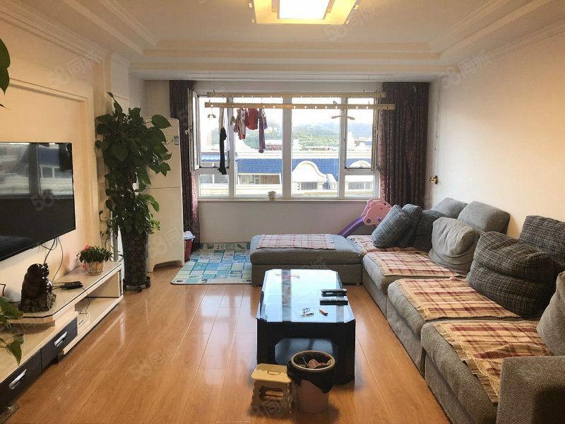 万家地产曼哈顿A区俩室一厅精装修家电家具全带价格低于市场