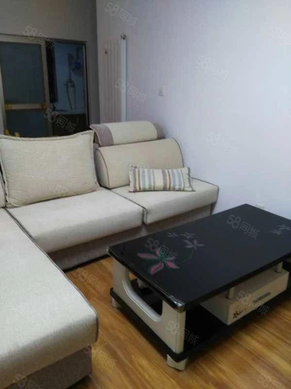 永威南樾精装小三室家具家电齐全房间美丽价格美丽拎包入住