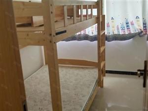白鹭园三室一厅精装1600/月