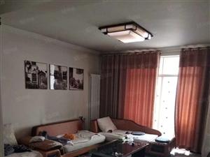 出售向阳步行街二室一厅装修双气