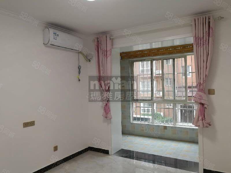 新新家园二楼空房带空调出租