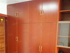 北湖新区,新一中东门对过,京投总部大厦1室精装修。