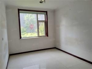 开莱国际社区一层三室两厅两卫简单装修