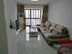 此房在于万达广场南北通透,,繁华地段,