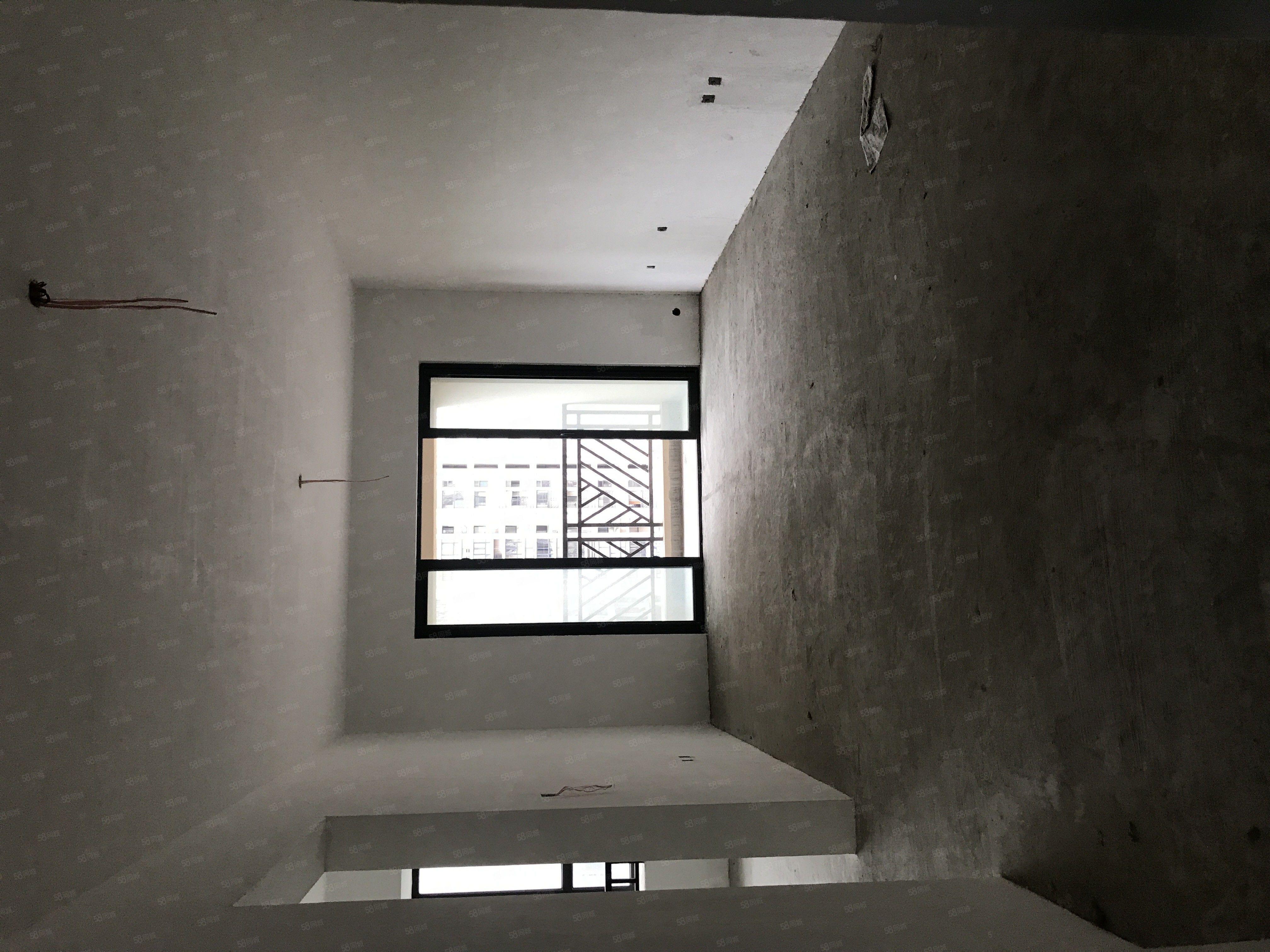 万达华城市中心电梯中层刚需小三房万能装修