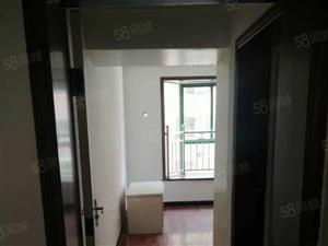 海利山庄3期3楼3室2厅2卫两证齐全可按揭