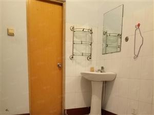 黄河五路渤海6路之七路之间三室,两厅一位,家具齐全带三个空调