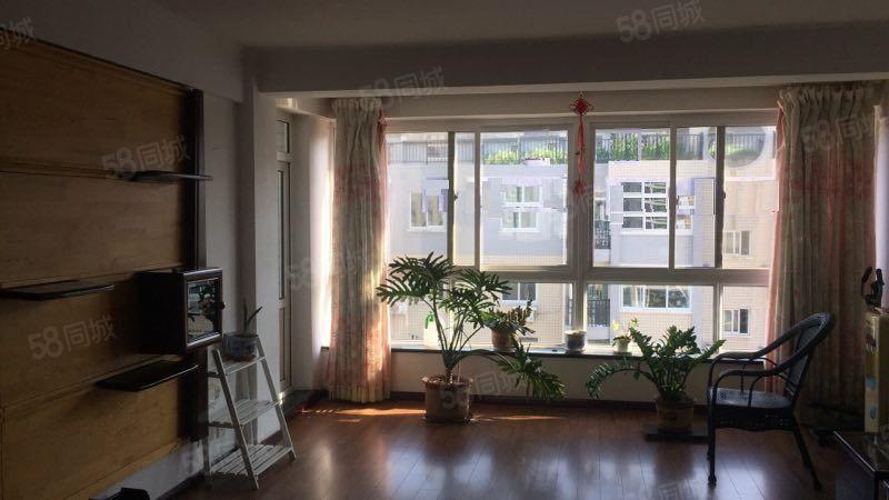 万达广场附近锦绣天第B区大3室142平可办公可居住
