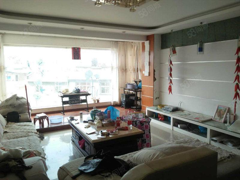 好吃街旁兰苑洋房精装4室中间楼层装修清爽带部分家具拎包入
