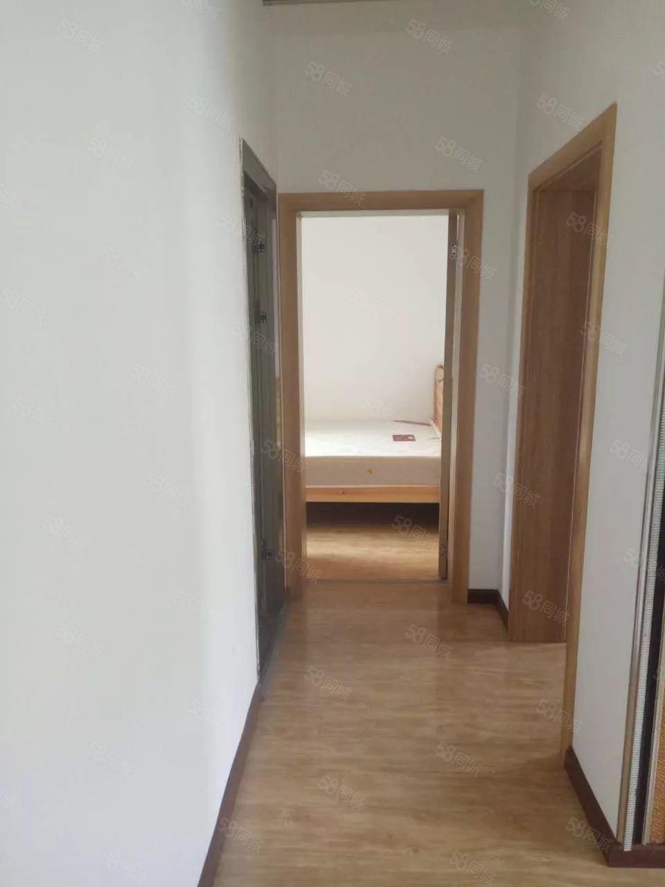 《千城房产》金星小区廉租房两室带装修才卖16.8万