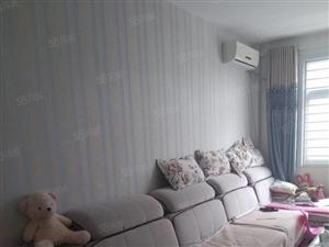 东城阳光丽景1楼140平3室2厅2卫车库40平138万
