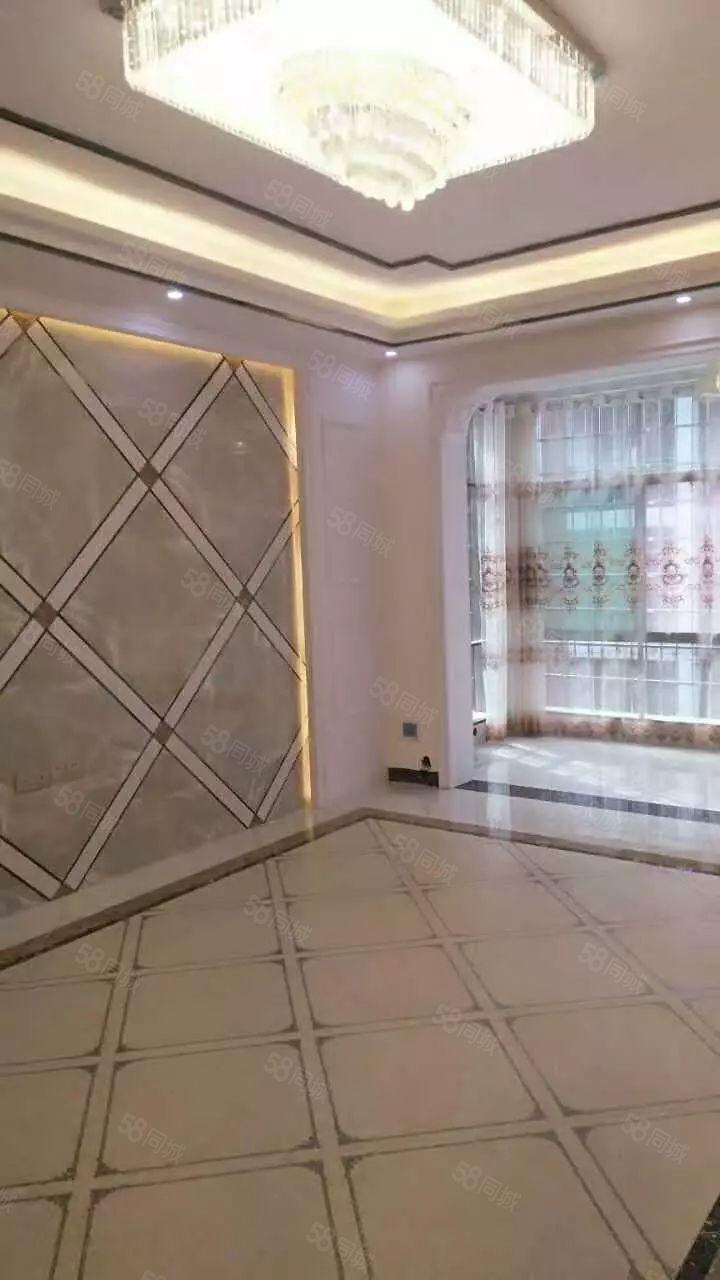 祁东政府广场3层新装修4室有证可按揭售62万