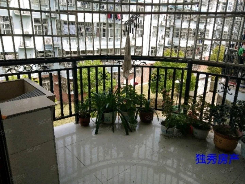 潜阳路和沐广场旁滨河御花园三室两厅