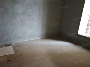 天等小区4房2厅2卫路段好毛坯房