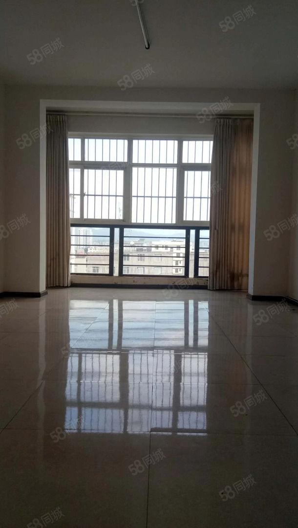 万家坝安居小区81平精装三居室仅售30万