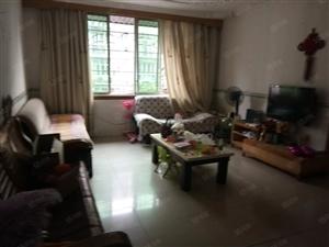 泸县万福附近3室2厅2卫141平方住房出售!