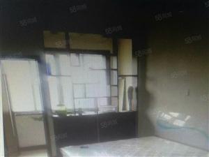 鲁班公寓100平米3室2厅1卫带车库