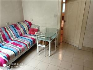 铁路北褔华街小区出租两居室,需要的尽快联系。