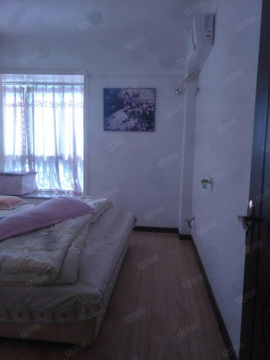 古蔺莱茵河畔电梯公寓精装出售,附近有名校大型市场,采光极好,